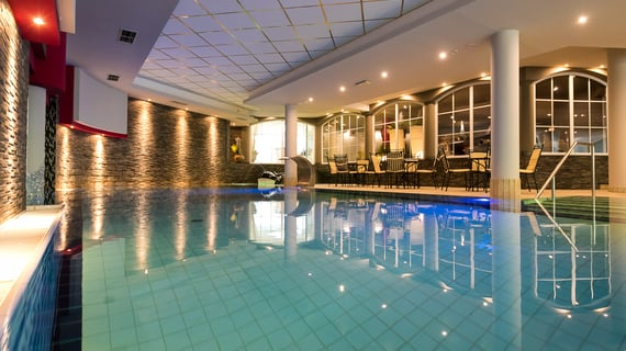 Indoor swimming-pool
